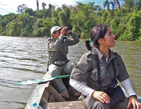 Kanot i Amazonas våtmarker