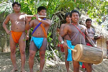 Besök hos Emberafolket, Panama