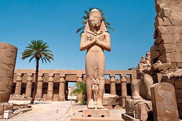 Känn historiens vingslag i Luxor